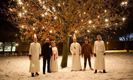 Noel Için Müzik Ve Altı Davulcu